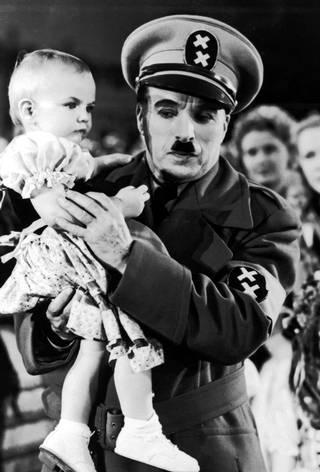 Diktatoren Great Dictator - Copyright Roy Export SAS (28).jpg