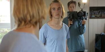 Nattebarn Young and Afraid - Still 3.png