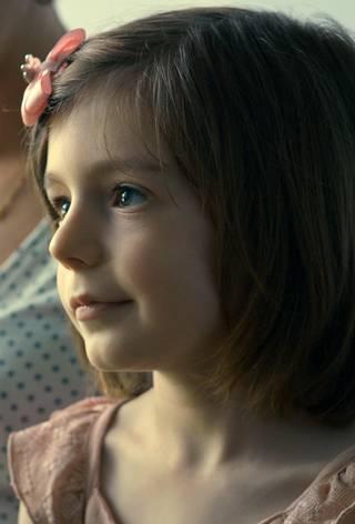 Lille jente LittleGirl 2 (c) AGAT FILMS & CIE – ARTE France – Final Cut For real.jpg