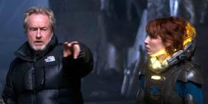 Ridley Scott og Noomi Rapace under innspillingen av Prometheus
