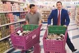 Luis Guzmán og Adam Sandler i Punch Drunk Love (2002)