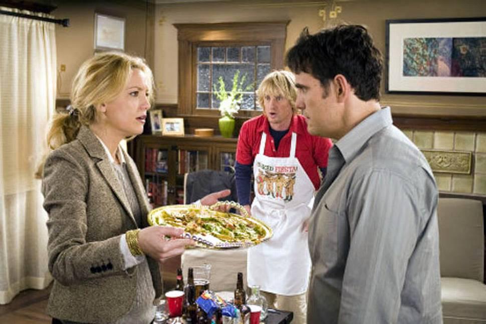 Carl og Molly Peterson (Matt Dillon og Kate Hudson) har vanskeligheter med å bli kvitt Dupree (Owen Wilson).