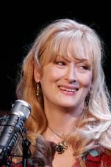 Meryl Streep er en av de sangglade av Johnson-søstrene.