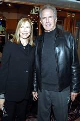 Warren Beatty med sin kone Annette Bening på Beowulf premieren
