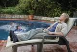 Owen Wilson tar seg en lur ved bassengkanten i Drillbit Taylor