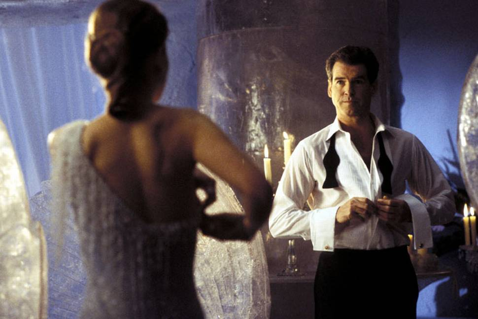 Rosamund Pike og Pierce Brosnan i Die Another Day
