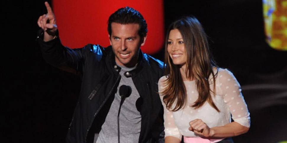 Prisutdelere: Bradley Cooper og Jessica Biel på MTV Movie Awards 2010