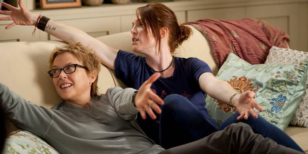 Mødrene Nic (Annette Bening) og Jules (Julianne Moore) i The Kids Are All Right
