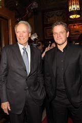 Regissør Clint Eastwood og skuespiller Matt Damon på premieren til Hereafter.