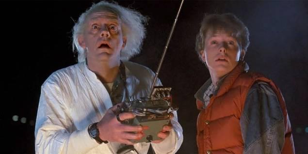 Doc (Christopher Lloyd) og Marty MacFly (Michael J. Fox) i Tilbake til fremtiden