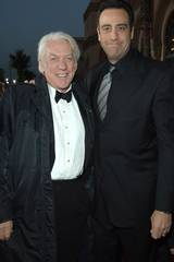 Donald Sutherland and Brad Garrett