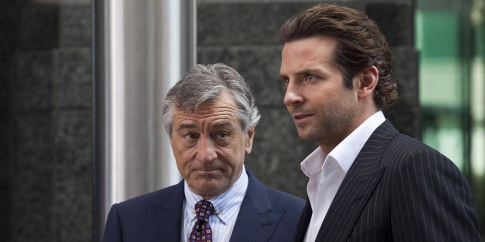 Robert De Niro og Bradley Cooper i Limitless
