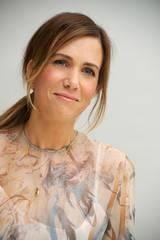Kristen Wiig på pressekonferansen til Bridesmaids