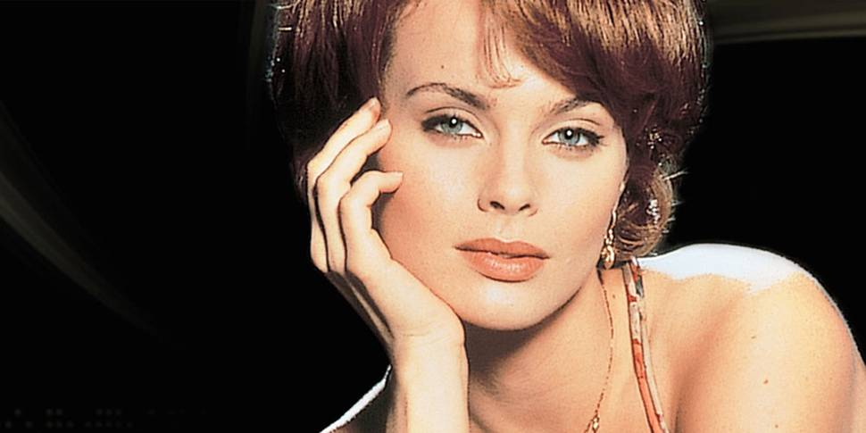 Izabella Scorupco i James Bond: GoldenEye