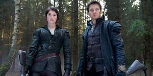 Gemma Arterton og Jeremy Renner i Hansel and Gretel: Witch Hunters