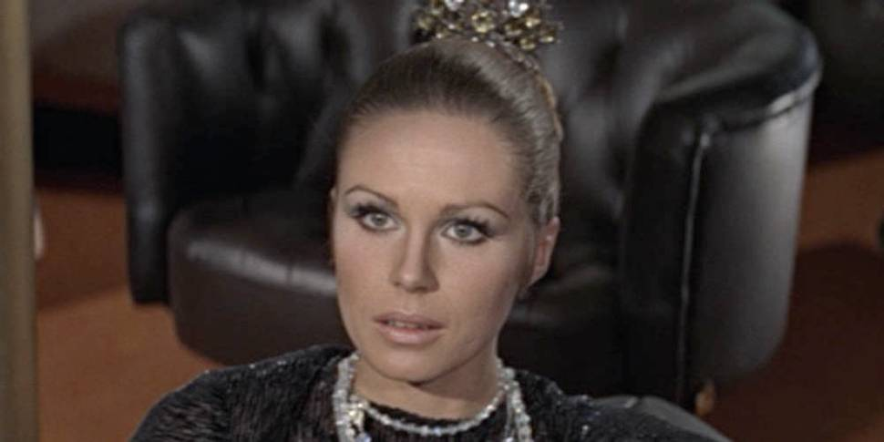 Joanna Lumley som Bond-pike i On Her Majesty's Secret Service