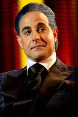 Stanley Tucci som Caesar Flickerman i The Hunger Games