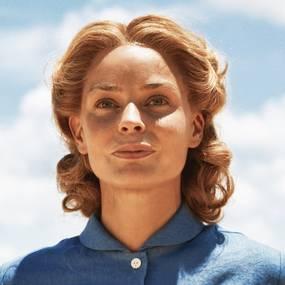 Agnes Kittelsen som Liv Heyerdahl i Kon-Tiki