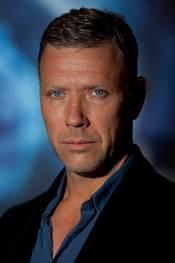 Mikael Persbrandt promoterer Hypnotisøren