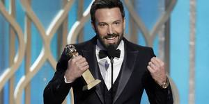 Ben Affleck mottar pris under Golden Globeutdelingen 2013
