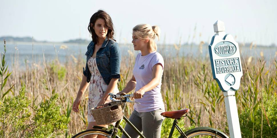 Cobie Smulders og Julianne Hough i Safe Haven
