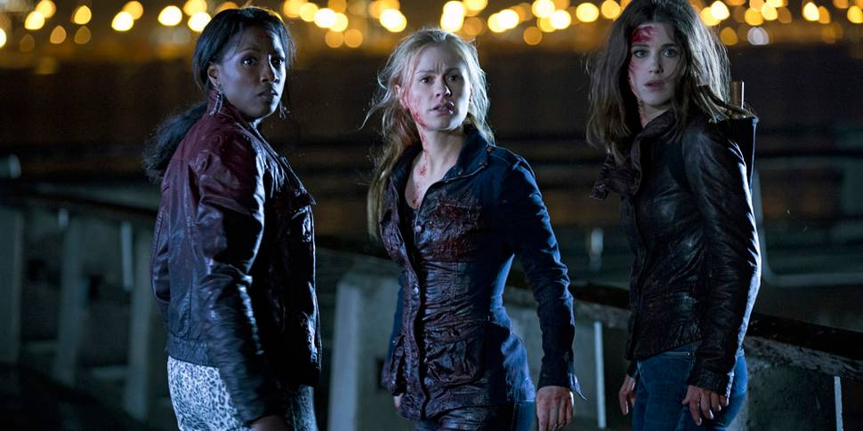 Rutina Wesley, Anna Paquin og Lucy Griffiths i True Blood - sesong 6