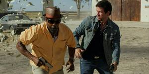 Denzel Washington og Mark Wahlberg i 2 Guns