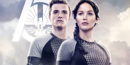 Josh Hutcherson som Peeta Mellark og Jennifer Lawrence som Katniss Everdeen i The Hunger Games: Catching Fire