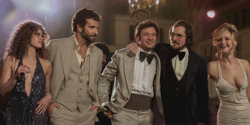 Amy Adams, Bradley Cooper, Jeremy Renner, Christian Bale og Jennifer Lawrence i American Hustle