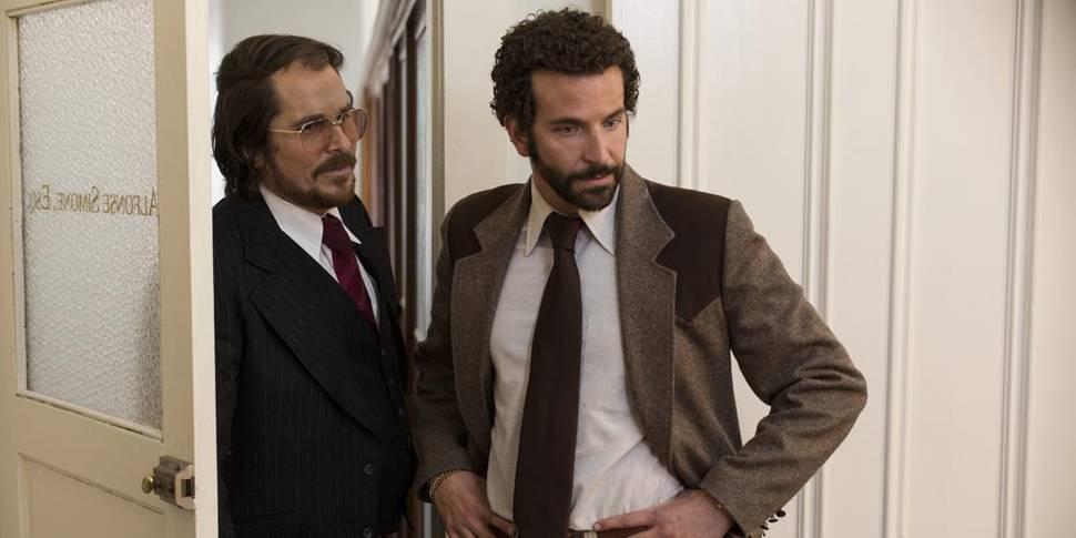 Christian Bale og Bradley Cooper i American Hustle