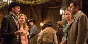 Neil Patrick Harris, Amanda Seyfried, Charlize Theron og Seth MacFarlane i A Million Ways to Die in the West
