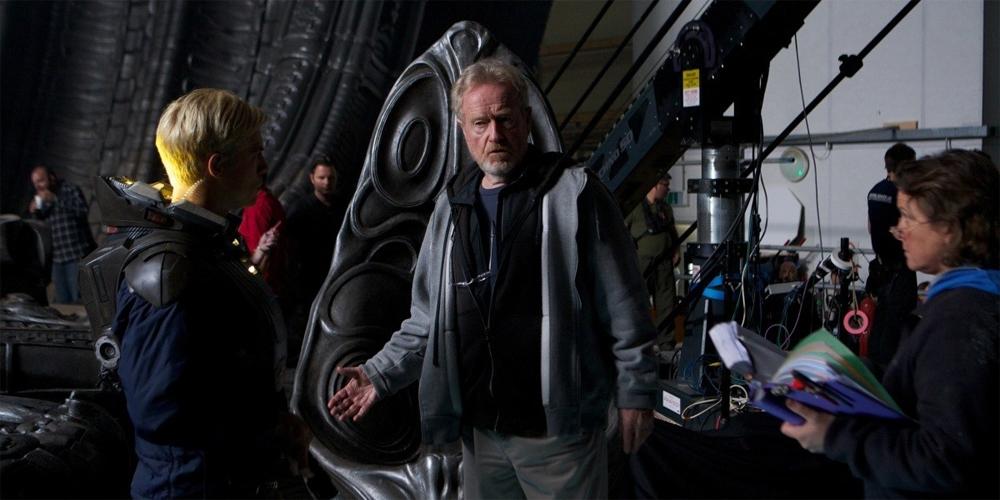 """Michael Fassbender og Ridley Scott på settet til """"Prometheus."""""""