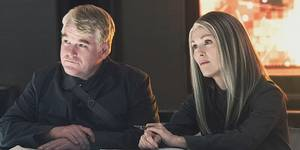 Philip Seymour Hoffman og Julianne Moore i The Hunger Games: Mockingjay Part 1