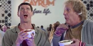 Jeff Daniels og Jim Carrey i Dum og dummere To