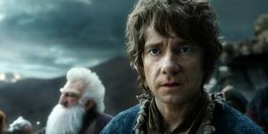 Ken Stott som Balin og Martin Freeman som Bilbo i Hobbiten: Femhærerslaget