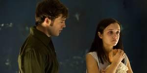 Sam Claflin og Olivia Cooke i The Quiet Ones