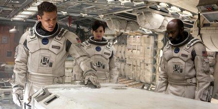 Matthew McConaughey og Anne Hathaway i Interstellar