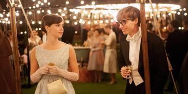 Felicity Jones og Eddie Redmayne i The Theory of Everything
