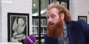 Kristofer Hivju p� pressedag for Turist