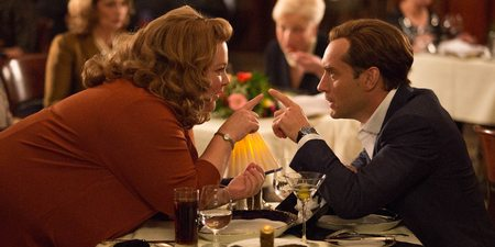 Melissa McCarthy og Jude Law i Spy