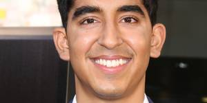 Dev Patel på The Newsroom-premieren i 2012