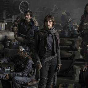 Felicity Jones, Diego Luna, Ben Mendelsohn, Donnie Yen, Jiang Wen, Alan Tudyk og Riz Ahmed i Rogue One: A Star Wars Story