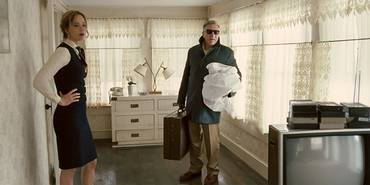 Jennifer Lawrence og Robert De Niro i Joy