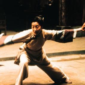 Zhang Zi Yi og Michelle Yeoh i Snikende tiger, skjult drage