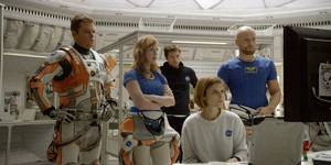 Matt Damon, Jessica Chastain, Sebastian Stan, Kate Mara og Aksel Hennie i The Martian