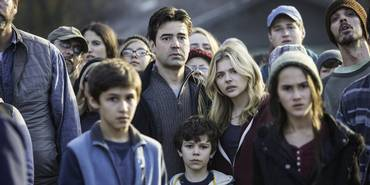 Ron Livingston, Zackary Arthur og Chloë Grace Moretz i The 5th Wave