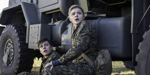 Nick Robinson og Chloë Grace Moretz i The 5th Wave