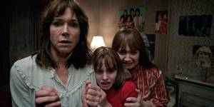 Frances O'Connor, Madison Wolfe og Lauren Esposito i The Conjuring 2