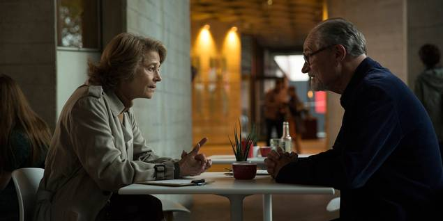 Charlotte Rampling og Jim Broadbent i The Sense of an Ending