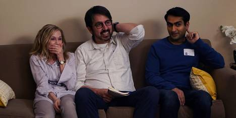 Kumail Nanjiani, Holly Hunter og Ray Romano i The big sick